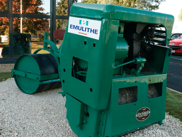 Emulithe Fosses Machine